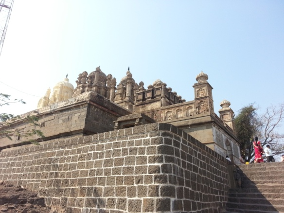 Bhuleshwar Temple from outside
