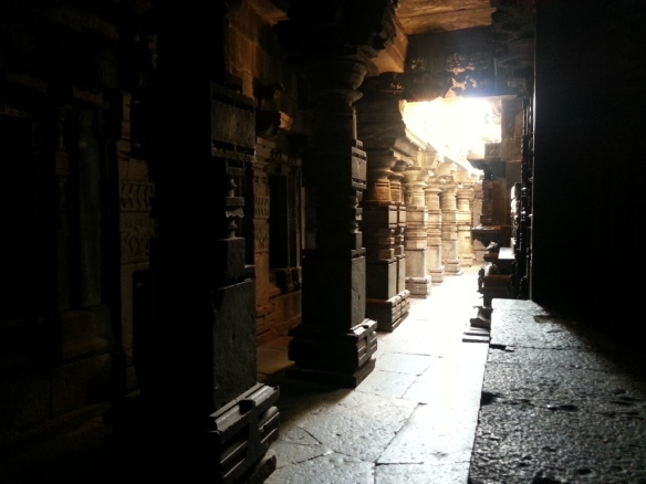 Light and shadow effect at Bhuleshwar