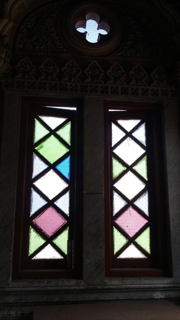 colourful-windows-at-shinde-chhatri