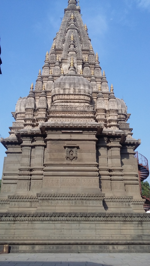 shiva-temple-at-shinde-chhatri_piece-of-art