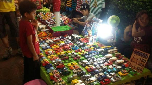 Nightmarket outside Palladium mall